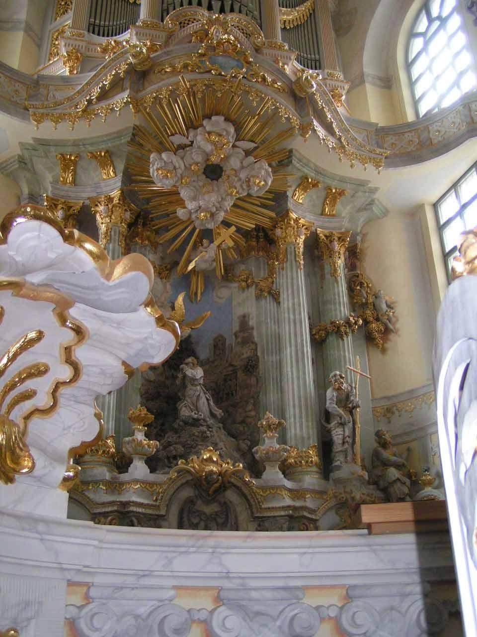 Meget guld og marmor