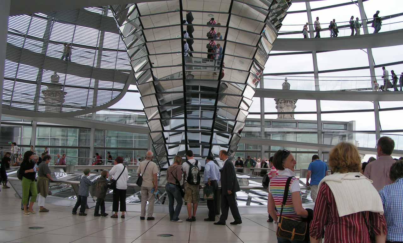 Der Reichstag indefra